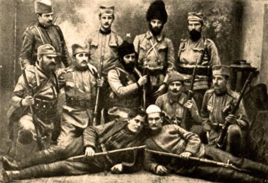 Major srpske vojske i četnički vojvoda Vojislav Tankosić sa saborcima