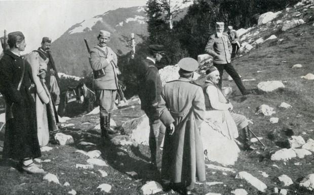 Kralj Nikola sa načelnikom štaba crnogorske Vrhovne komande generalom Božidarom Jankovićem