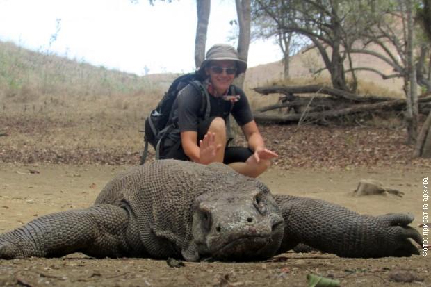 Snežana u društvu komodo zmaja, Komodo nacionalni park Indonezije