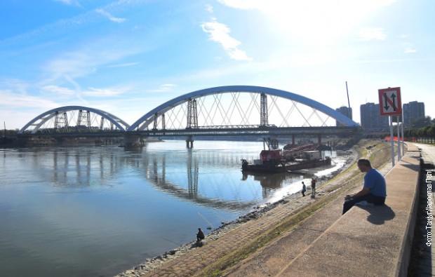 Posle 18 godina spojeni su lukovi na novom Žeželjevom mostu