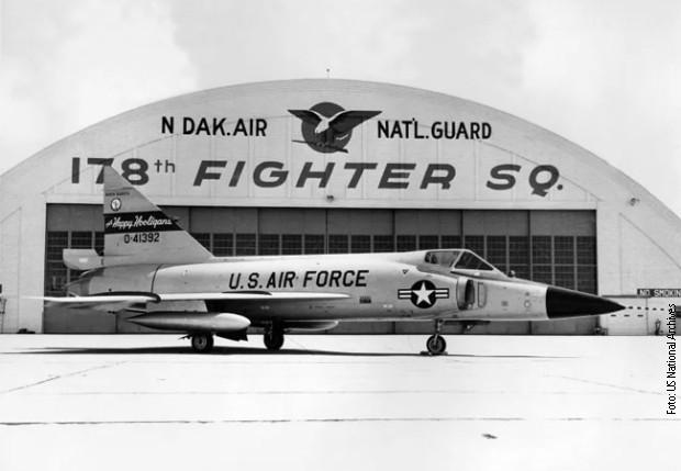 """F-102 """"delta deger"""""""