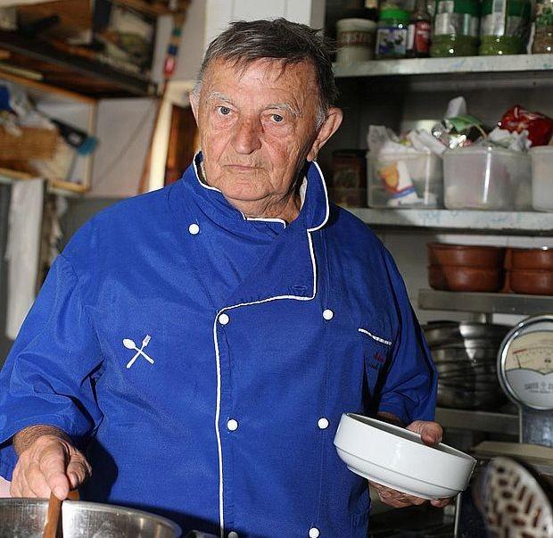 Мића Стојановић, мајстор кулинарства