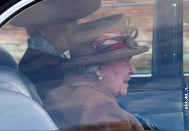 Kraljica Elizabeta Druga stiže na posed i Sandrigemu