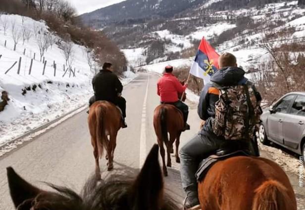 Широм Црне Горе и данас молебни и литије, у Бијело Поље стигли и на коњима