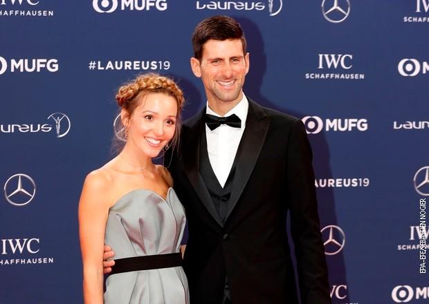 Đoković sa suprugom Jelenom pomaže Srbiji