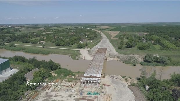 Izgradnja mosta preko Begeja