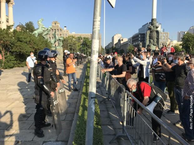 Demonstranti stigli do Skupštine Srbije