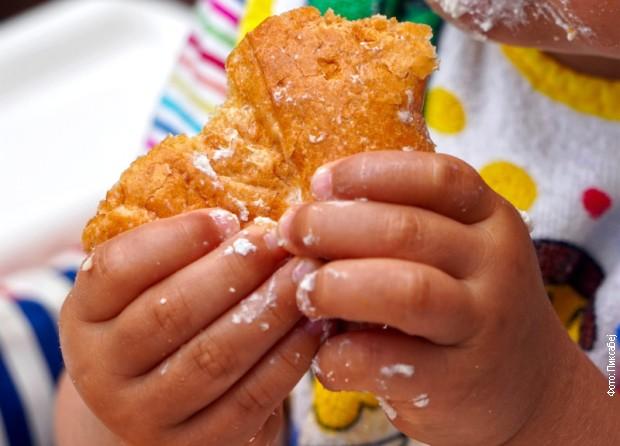 Decѕa oponašaju roditelje zato im svojim primerom treba pokazati šta treba jesti