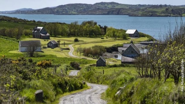 Na ostrvu se nalazi još sedam gostinskih koliba