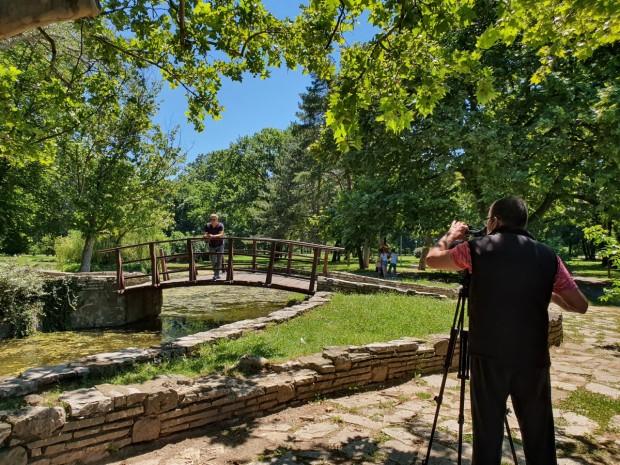 Dimitrije Hadži Nikolić, snimatelj i Mirko Radović na snimanju emisije
