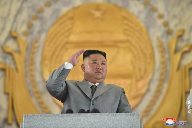 Kim Džong Un posetio groblje kineskih vojnika iz Korejskog rata