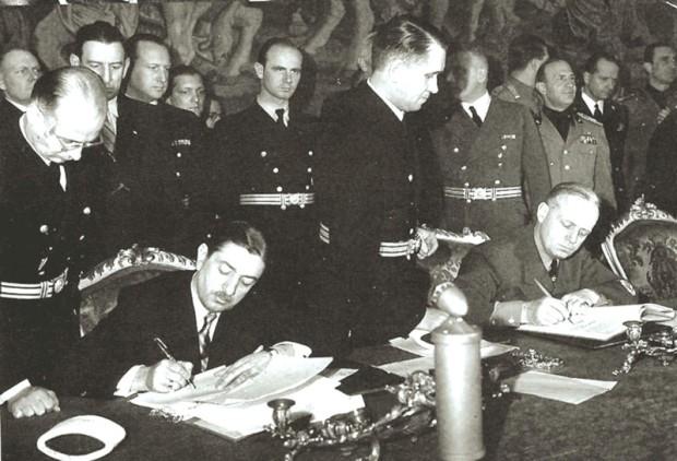 Fotografija potpisivanja pakta (foto iz emisije Mračne stranice kulturne istorije Srbije)