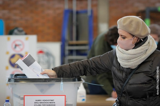 Грађани на Косову и Метохији гласали су за 120 чланова парламента