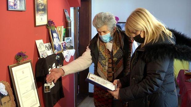 Autorka emisije Tatjana Manojlović sa Mirkovićevom majkom