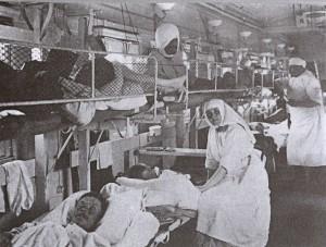 Припадници руске санитетске мисије у пратњи санитетског воза у Нишу 1915. године