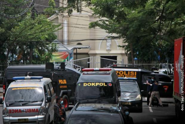 Bombaški napad ispred crkve u Indoneziji, povređeno devet osoba