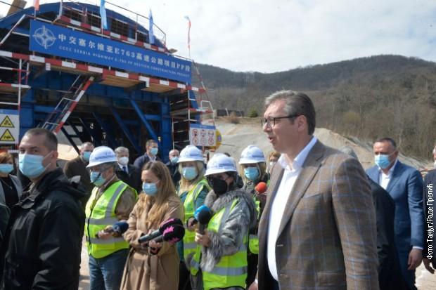 Vučić obilazi radove na auto-putu E-763