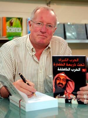 Роберт Фиск на промоцији своје књиге у Бејруту 21. априла 2007.