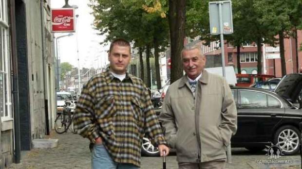 Јаков Џугашвили са оцем, историчарем Јевгенијем Јаковљевичем Џугашвилијем (1936-2016), који је био син Стаљиновог старијег сина Јакова, убијеног 1943. у немачком концентрационом логору Заксенхаузен