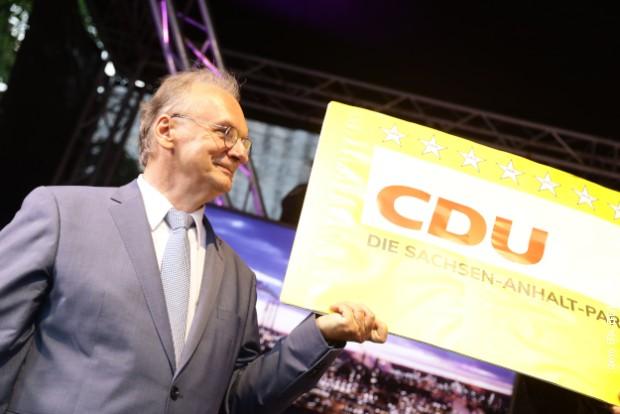 Istočnonemački Mič Bjukenon spasava CDU