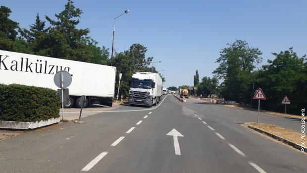 Kolona kamiona na granici sa Rumunijom, čeka se više od deset sati