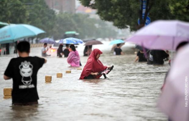 U Kini pala kiša