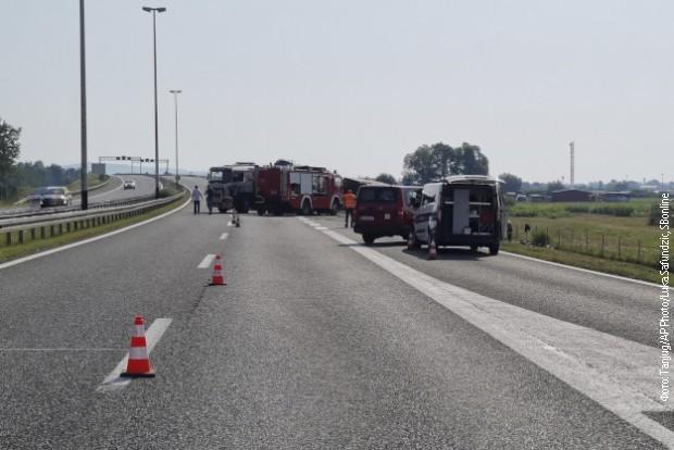Očekuje se otpuštanje sa lečenja većine povređenih iz prevrnutog prištinskog autobusa u Hrvatskoj