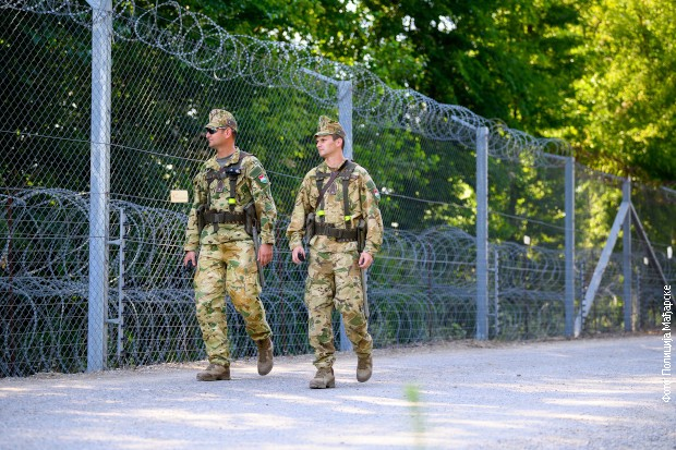 Migranti pokušali da nasilno pređu srpsko-mađarsku granicu, koristili gasni sprej
