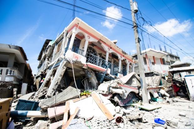 Broj žrtava zemljotresa na Haitiju porastao na 2.207, nestale 344 osobe