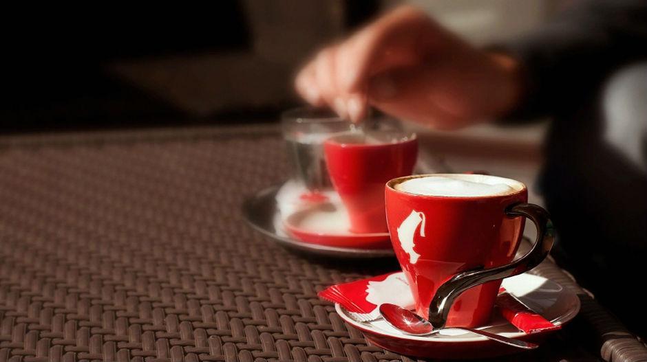 Platite danas šoljicu kafe stihovima!